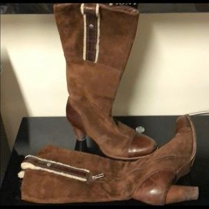 UGG Woman's Boots.